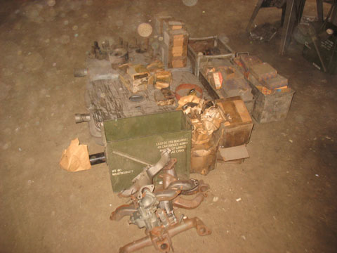 Crates and crates of stuff to dig in. Mostly Duece parts, not for me. This is the pile I did manage to gather up. JXD parts, M37 stuff, M38A1.