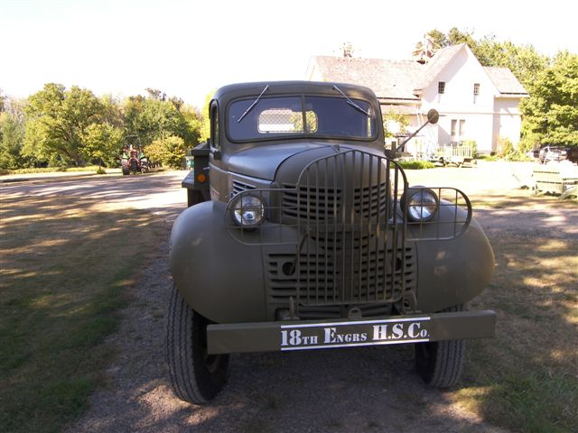 Cust-photo_VG_1940-Dodge-VF401-001
